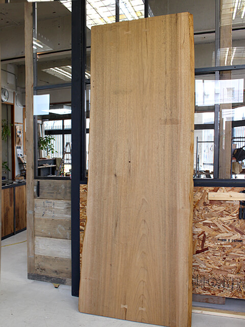 シナクルミ,楠,樟,無垢板,一枚板,カウンター,テーブル,デスク,天板,販売 通販,北大阪
