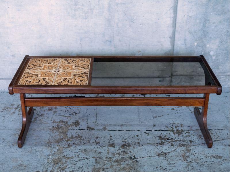 画像1: ≪ローテーブル≫【G-PLAN 1950s tile and glass top coffee table・タイルアンドグラストップコーヒーテーブル・USED・ビンテージ/1体】 (1)
